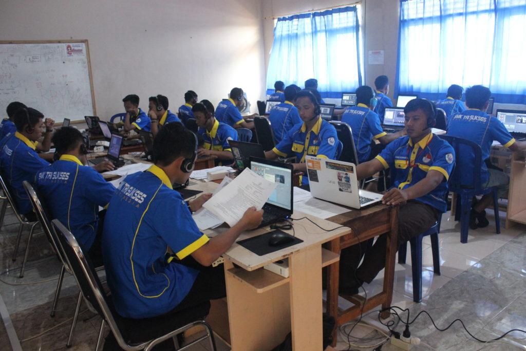 Suasana UKK Multimedia SMK Tri Sukses
